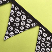 Load image into Gallery viewer, Black and white skull miniature bunting. Viv decorations. Cage decorations.
