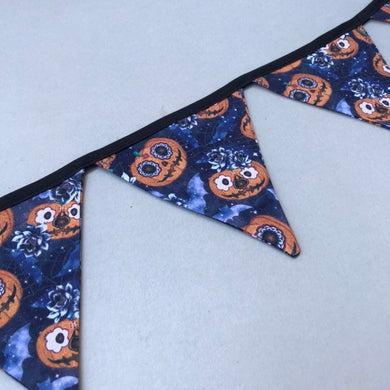 Pumpkin Halloween miniature bunting. Viv decorations. Cage decorations.