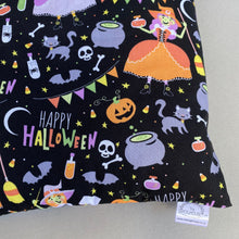 Load image into Gallery viewer, Happy Halloween hedgehog padded bonding bag, carry bag for hedgehog.