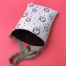Load image into Gallery viewer, Apple hedgehog padded bonding bag, carry bag for hedgehogs. Fleece lined.