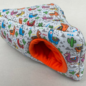 Drama Llama full cage set. Corner house, snuggle sack, tunnel cage set.