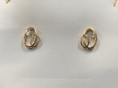 Yellow Gold & Diamond Earrings.