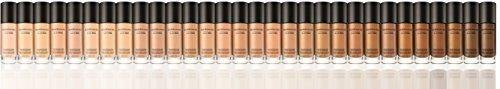 bareMinerals BarePro Performance Wear Liquid Foundation Warm Light 07, 1 Fluid Ounce