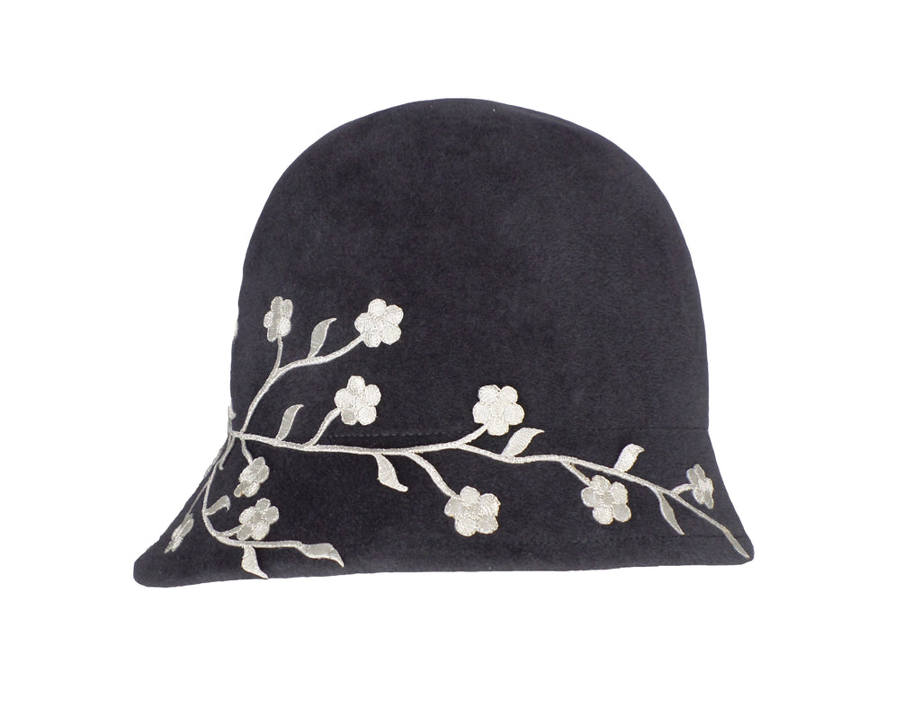 Bella (dark grey with flowers)
