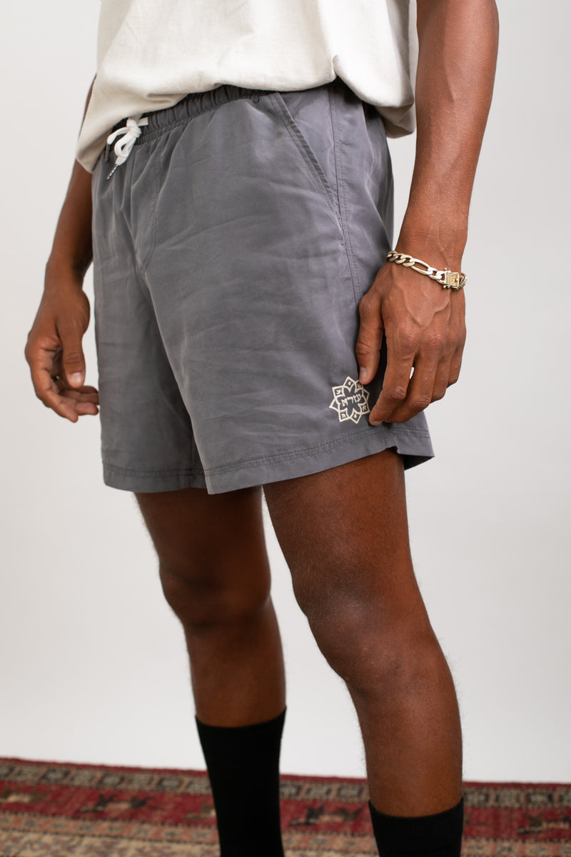 Lightweight walk shorts In Washed grey