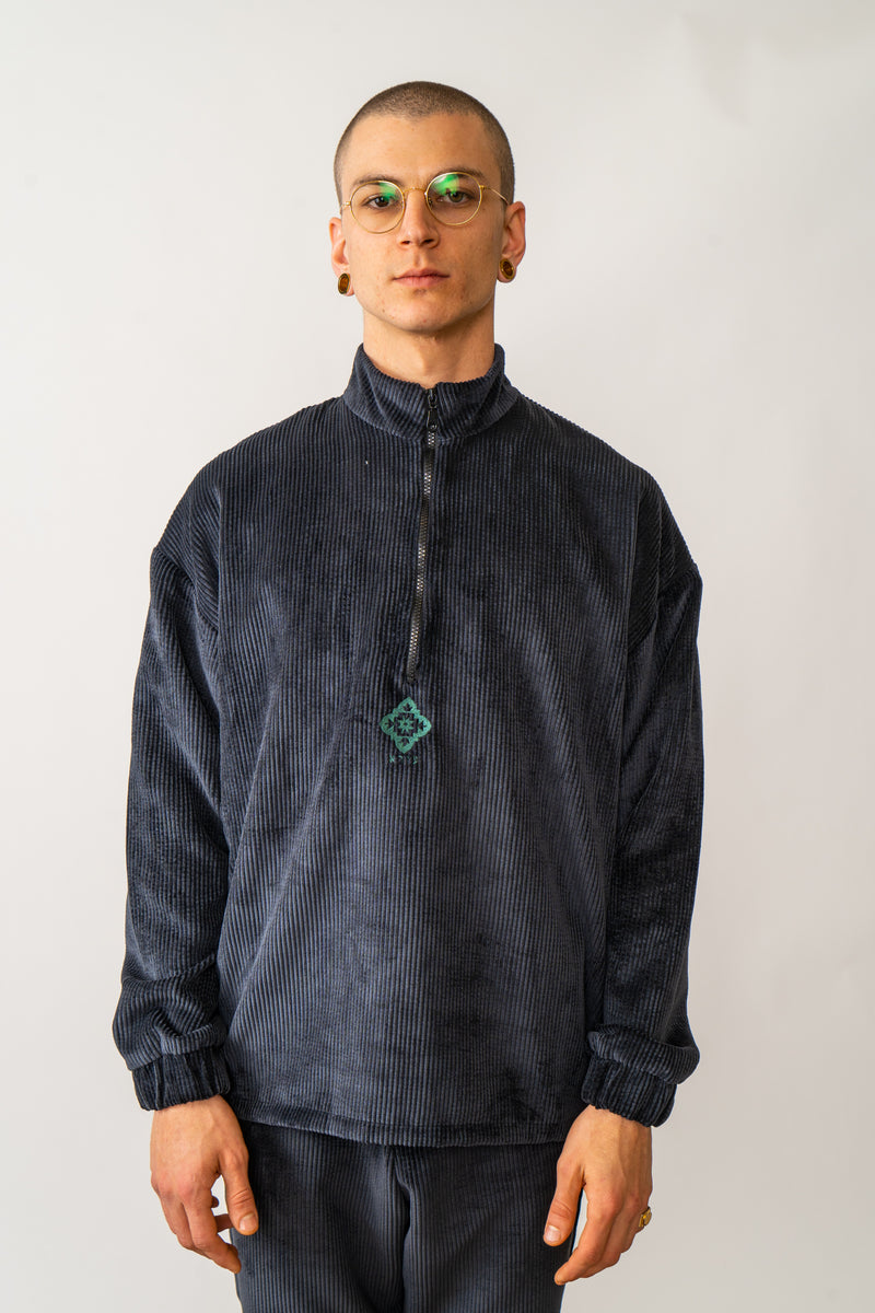 Corduroy Pullover In Washed Black