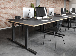 Subscription_OMNI_Brooklyn_Workstation_work_room_modern_classy_minimalistic_elevation_desks_office_chairs_stylish Brooklyn Station 1