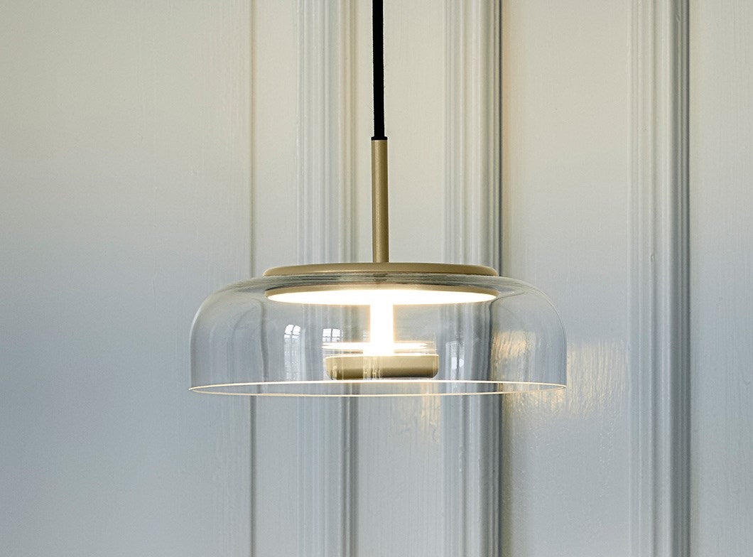 Subscription_OMNI_Nuura_Blossi_1_Lamp_Gold_elegant_diffused_fantastic_light_comfortable_warmth_design_LED_technology