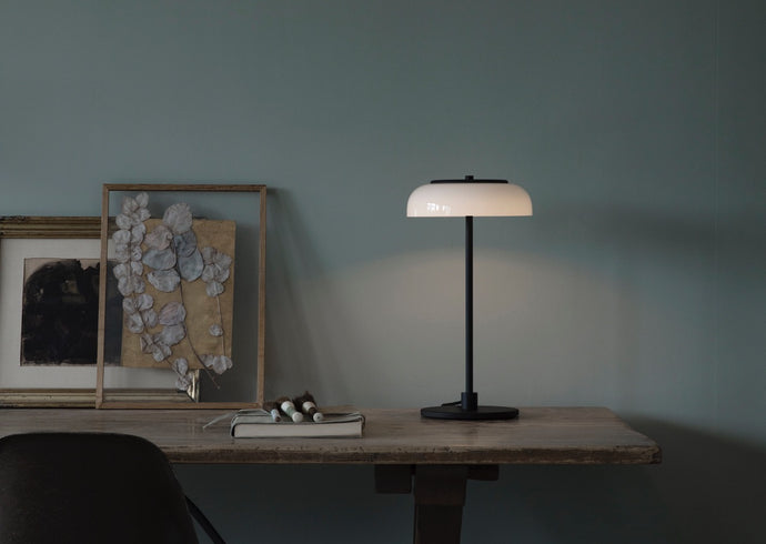 Blossi Table Lamp, Black