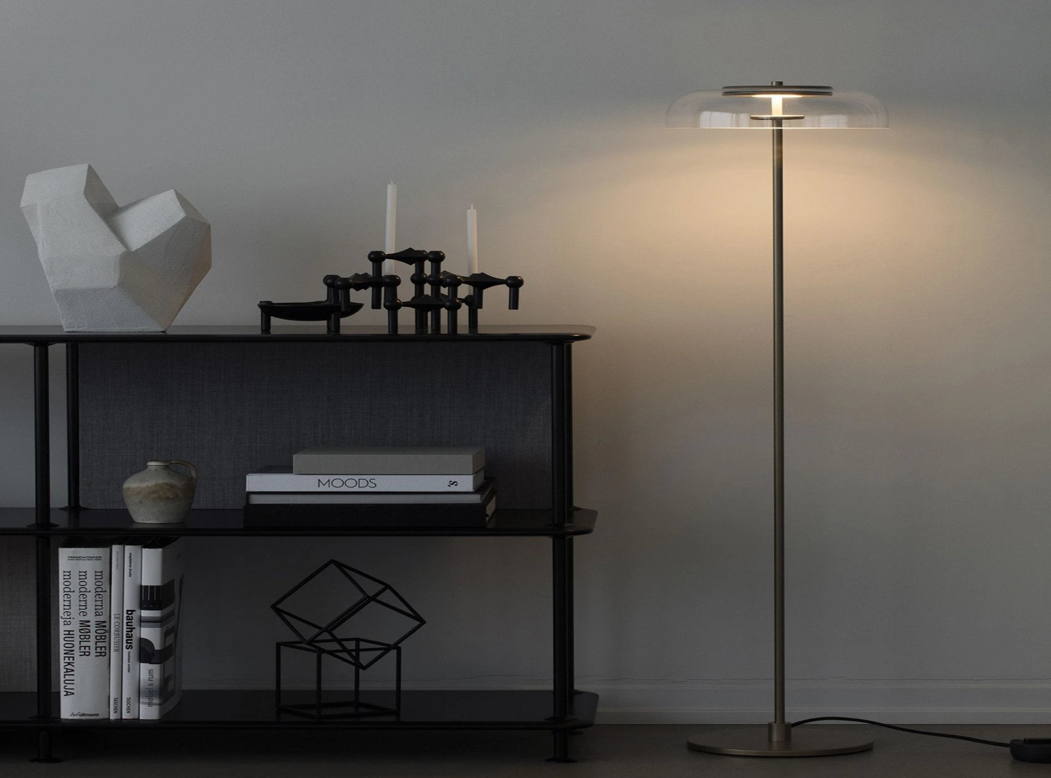 Subscription_OMNI_Nuura_Blossi_Floor_Lamp_Ø29_elegant_diffused_fantastic_light_comfortable_warmth_design_decor