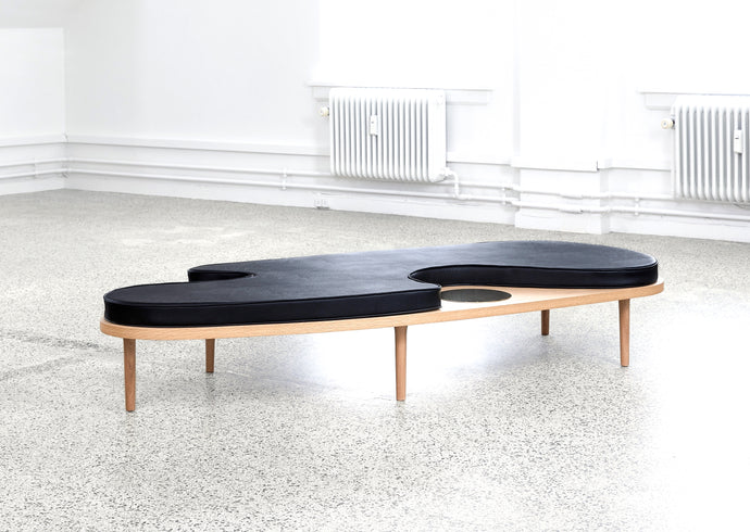 Figure Shape Daybed