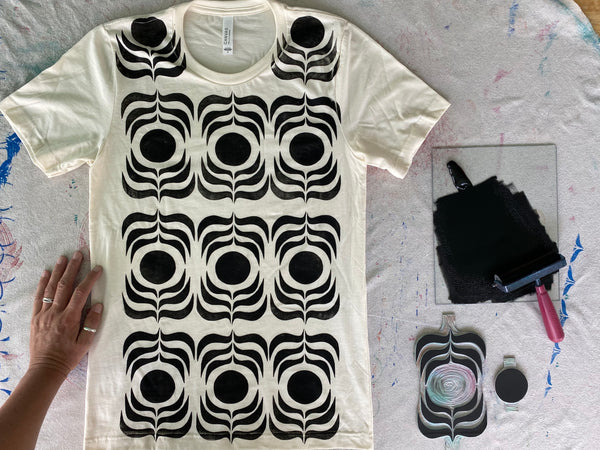 cream/black ink t-shirt  (adult size S)