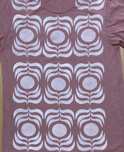dusty rose/white ink t-shirt  (adult size M)