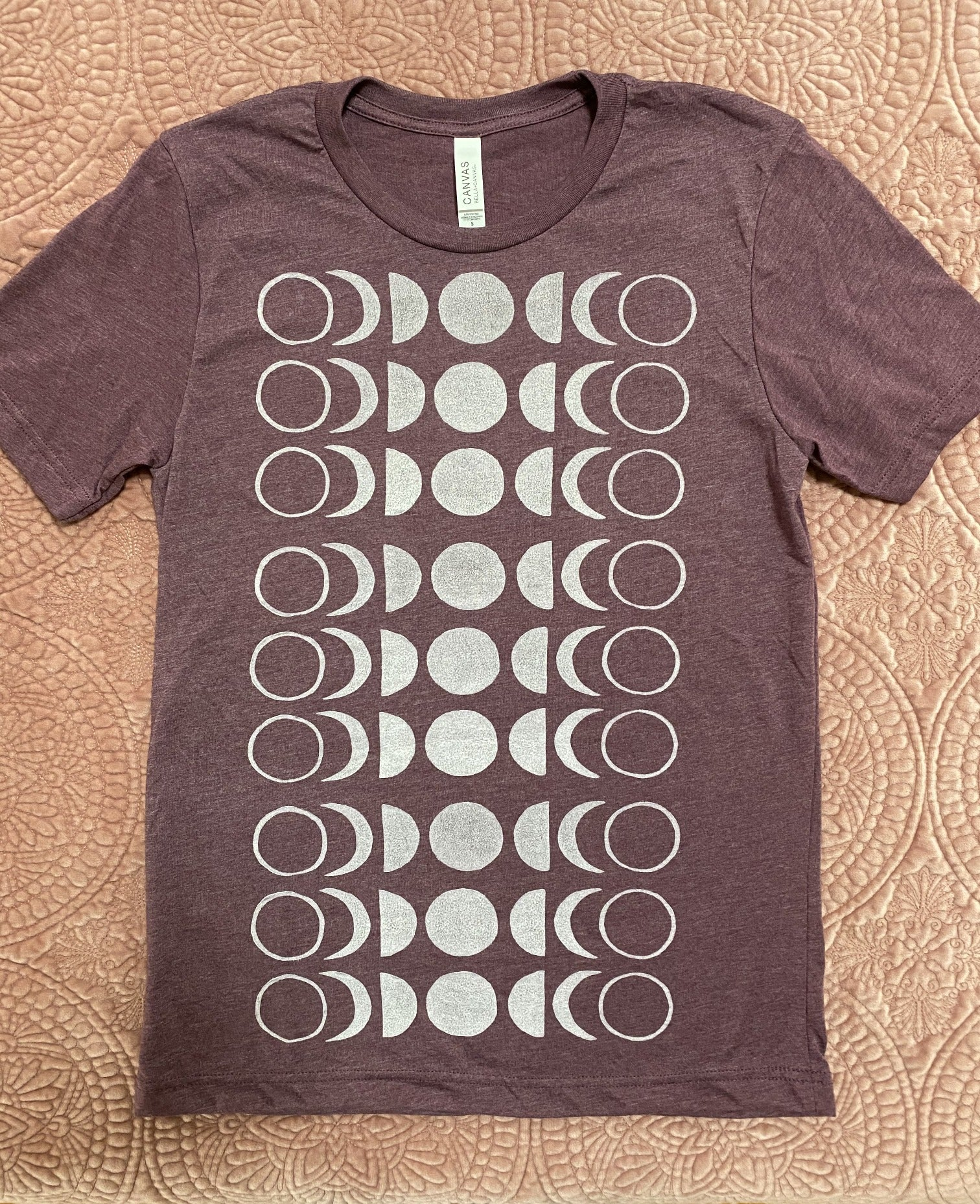 dusty maroon/white MOON t-shirt  (size Small)
