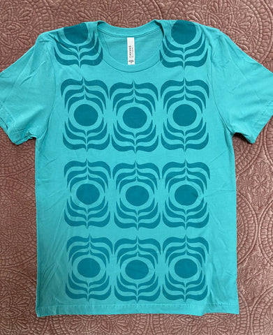 turquoise/turquoise REPEATING t-shirt  (size M)