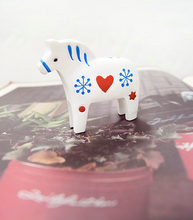 Load image into Gallery viewer, Miniature Dala Horses