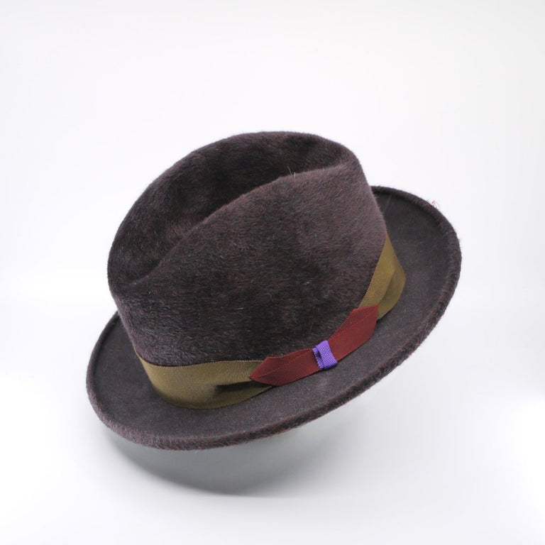 Lina Stein Homburg hat | aubergine ,side view, flick up