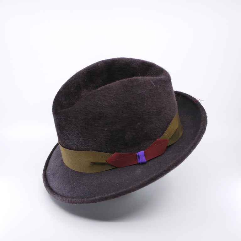 Lina Stein Homburg hat | side view , flick down