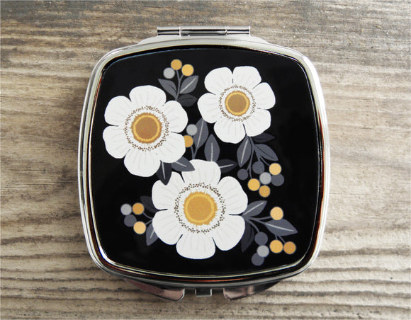 AMBER FLOWER Compact Mirror