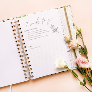 The Dream Wedding Planner | Luxury Wedding Organizer Book with Beautiful Souvenir Gift Box | Perfect Wedding Journal for Brides | Checklists, Calendar, Budget Planning, Guest List | White & Flowers
