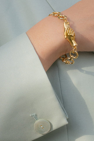 A Gentlewoman's Agreement Bracelet in Gold
