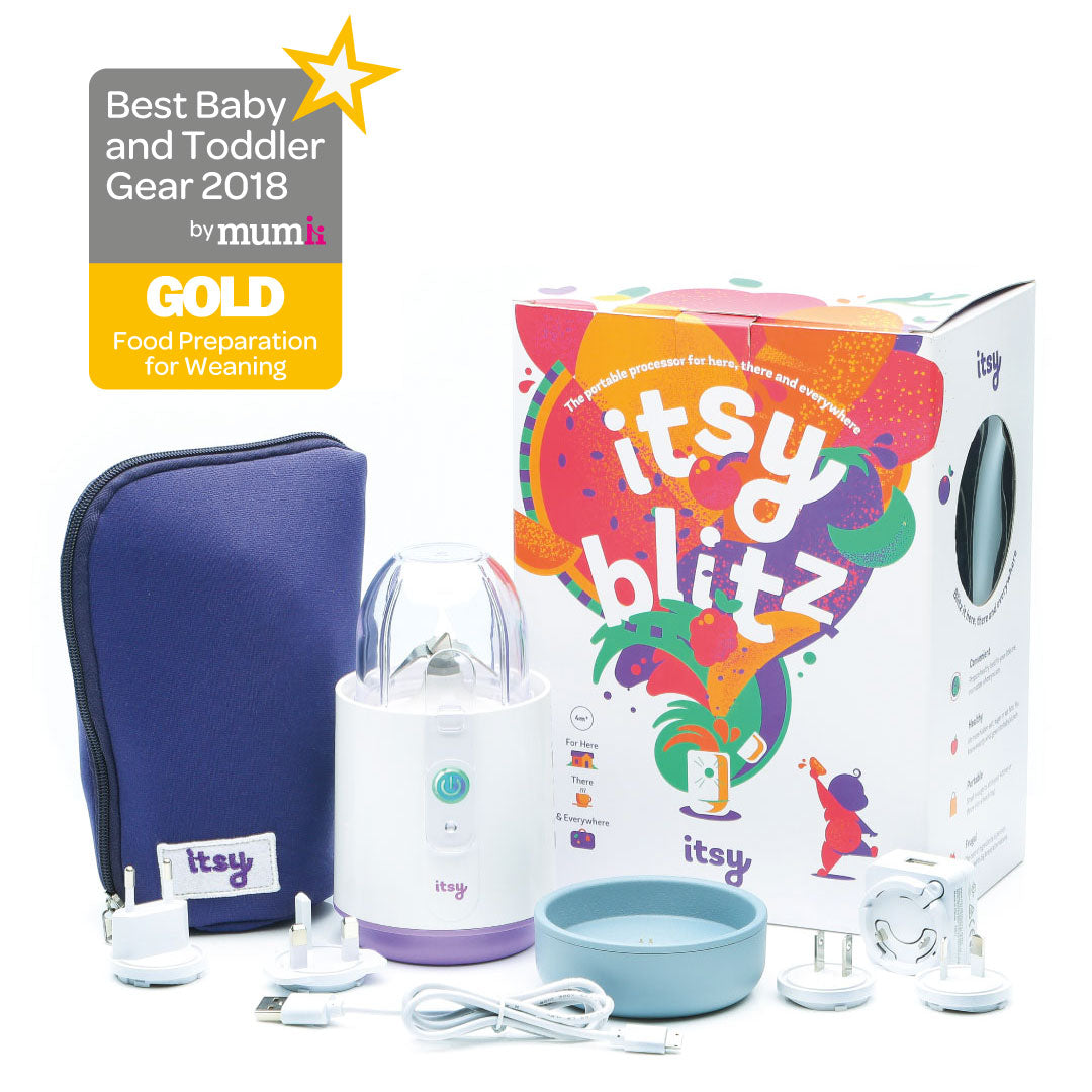 Award winning portable baby food blender for weaning, complete with detachable spoon and feeding bowl and recharging dock base. Gold award from Mumii in the best baby and toddler gear awards.