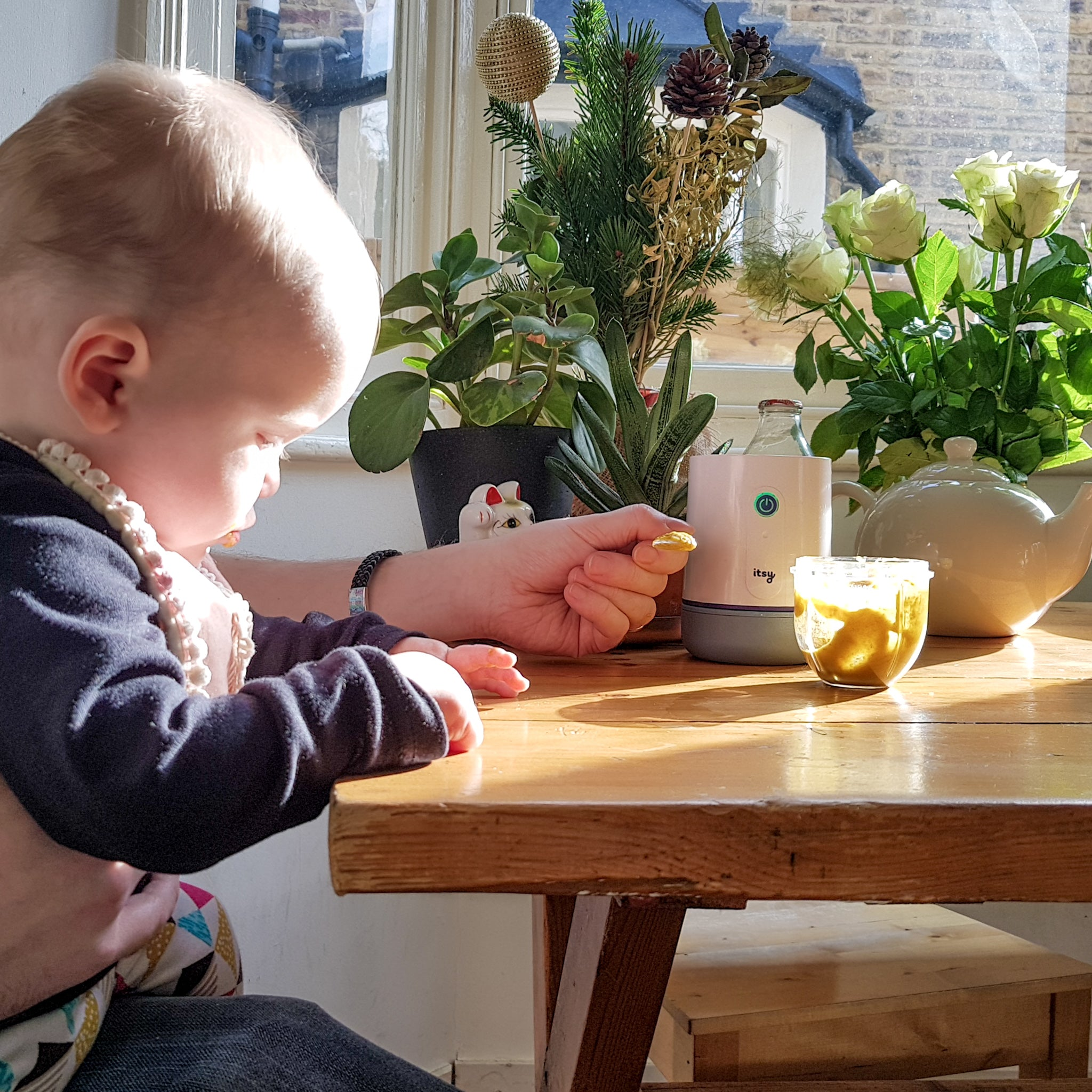 weaning tips and tricks using the Itsy Blitz blender at home, even getting older children involved in your weaning journey