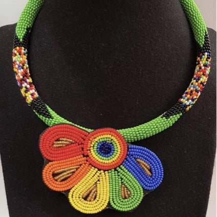 COLORFUL PETAL NECKLACE