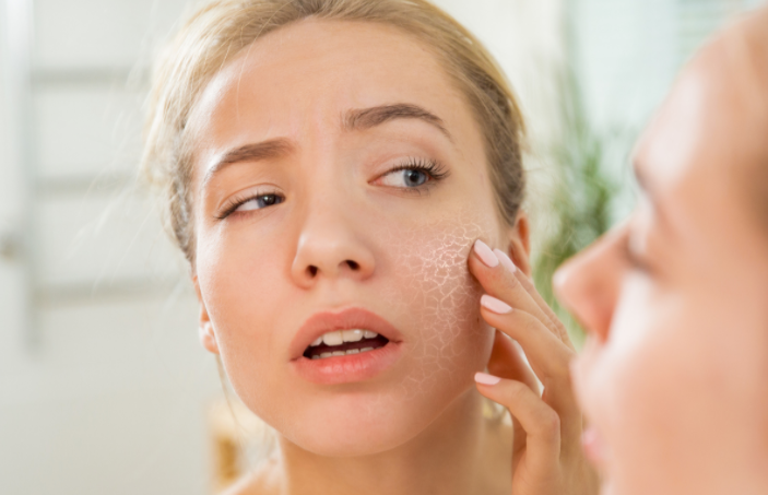 DEHYDRATED VS. DRY SKIN: HOW TO DETERMINE THE DIFFERENCE