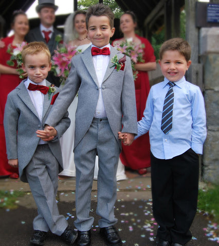 Children at a wedding at St. Fagans Castle