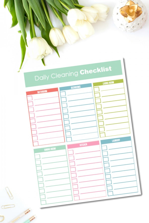 Daily Cleaning Checklist {ONE PAGE}