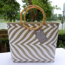 Load image into Gallery viewer, Mocha & White Bamboo Handle Penan Tote Bag