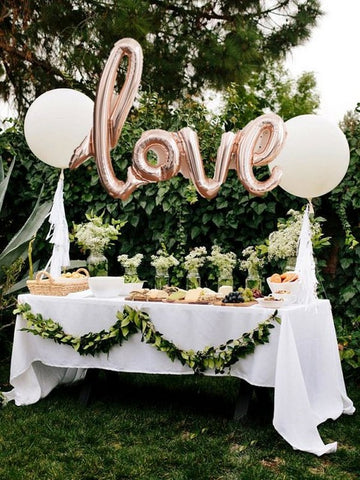 Balloons and decorative buffets