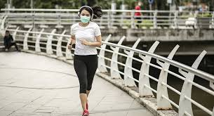 Should You Wear a Face Mask While Running?