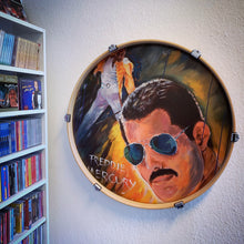 Laden Sie das Bild in den Galerie-Viewer, Freddy Mercury als Kunstdruck in Frank Zanders Büro in Berlin