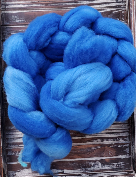4oz of Polwarth Roving in Summer Sky