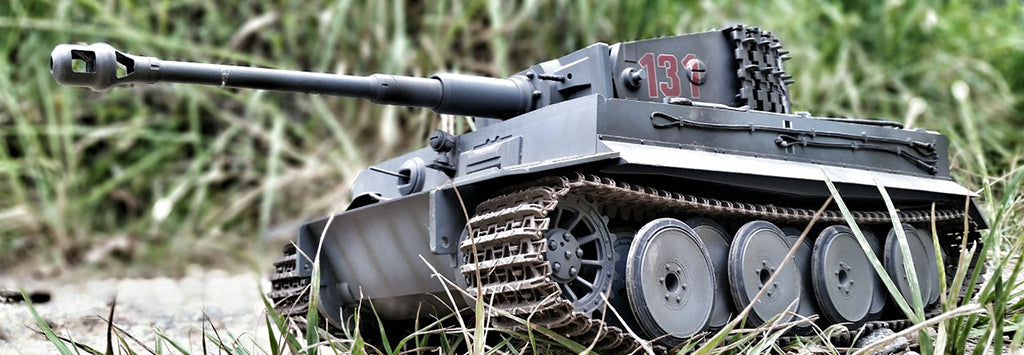 Armored Vehicle, Artillery & Tank Model Kits