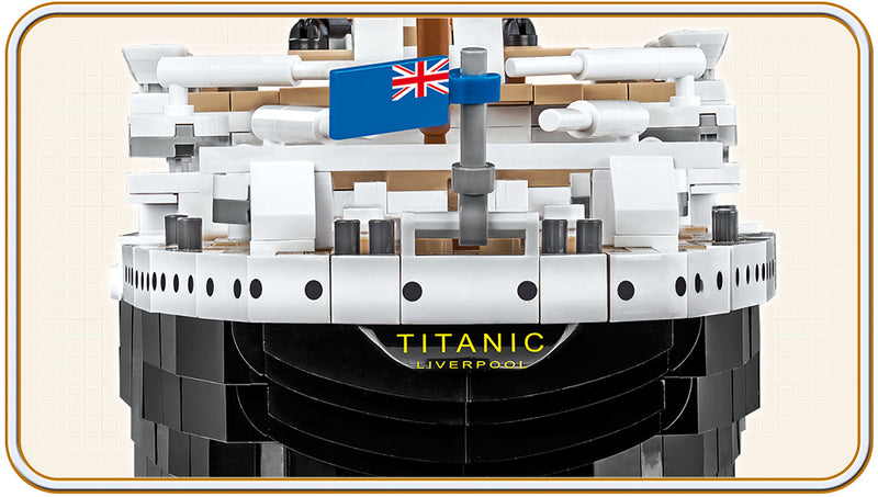 RMS Titanic 1:300 Scale, 2810 Piece Block Kit By Cobi Stern View