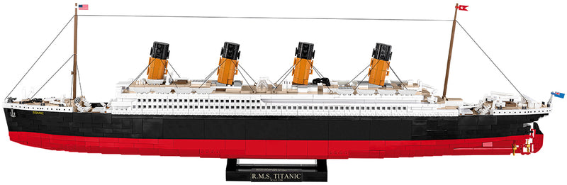 R.M.S. Titanic 1:300 Scale, 2840 Piece Block Kit