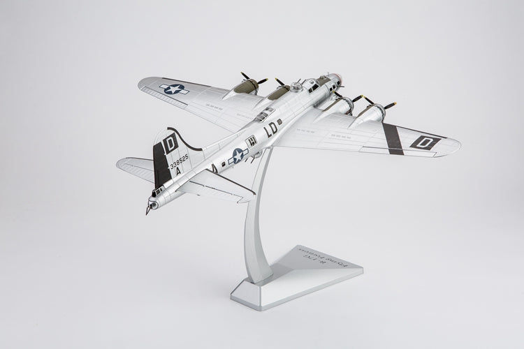 "Boeing B-17G Flying Fortress ""Miss Conduct"" 418th Bombardment Squadron 1945 1:72 Scale Diecast Model"