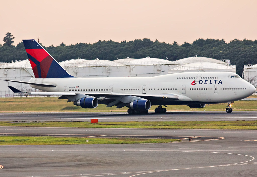 Boeing 747-400 N674US Delta Airlines