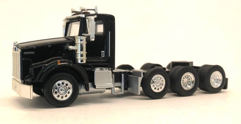 Kenworth T800 Tag Axle (Black)  1:87 (HO) Scale Model By Promotex