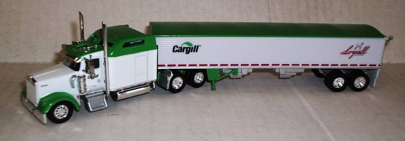 Kenworth W-900L Truck (White & Green Trim) with Grain Trailer (Cargill / Loyall Life) Scale 1:87 (HO Scale) Model by Trucks N Stuff