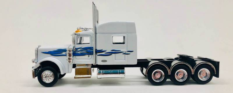 Peterbilt 389 Tri Drive Tractor (White) 1:87 (HO) Scale Model By Promotex