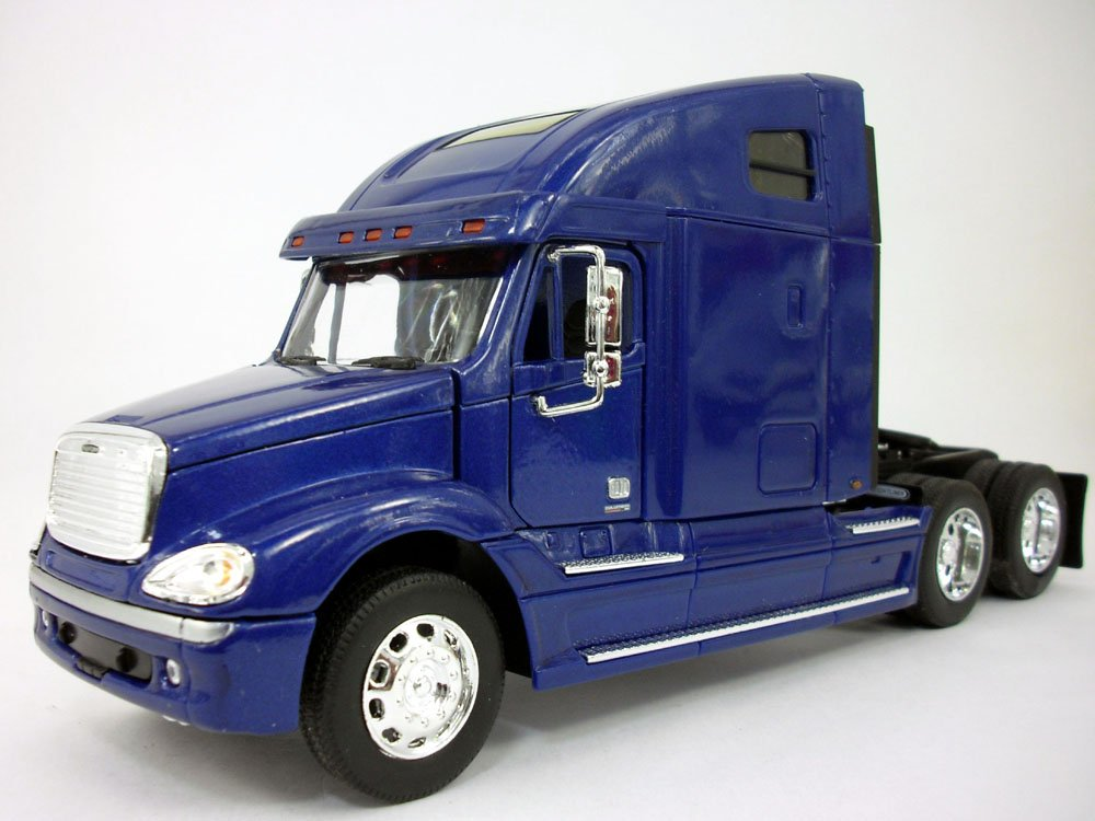 Freightliner Columbia Extended Cab Truck (Blue) 1:32 Scale Diecast Truck By Welly (No Retail Box)