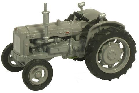 Fordson Tractor 1946 - 1970 (Matte Grey) 1:76 (OO) Scale Model By Oxford Diecastt
