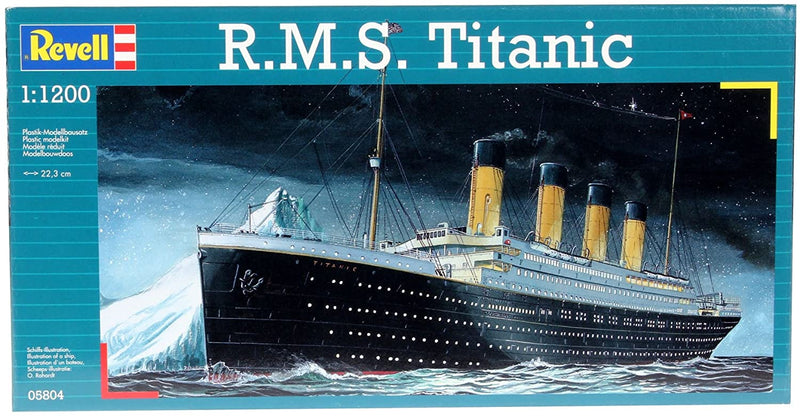RMS Titanic 1/1200 Scale Model Kit Box Front