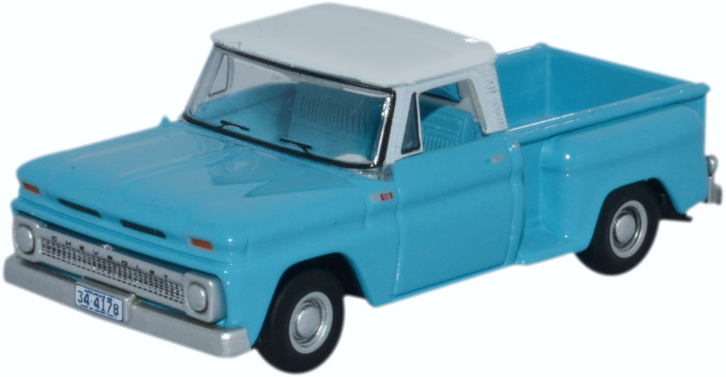 Chevrolet C10 Stepside Pickup 1965, Light Blue / White, 1:87 Scale Model By Oxford Diecast