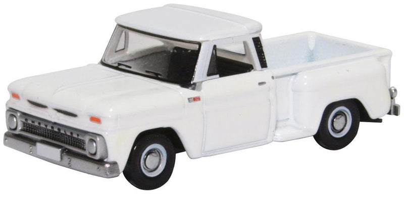 Chevrolet C10 Stepside Pickup 1965, White, 1:87 Scale Model By Oxford Diecast