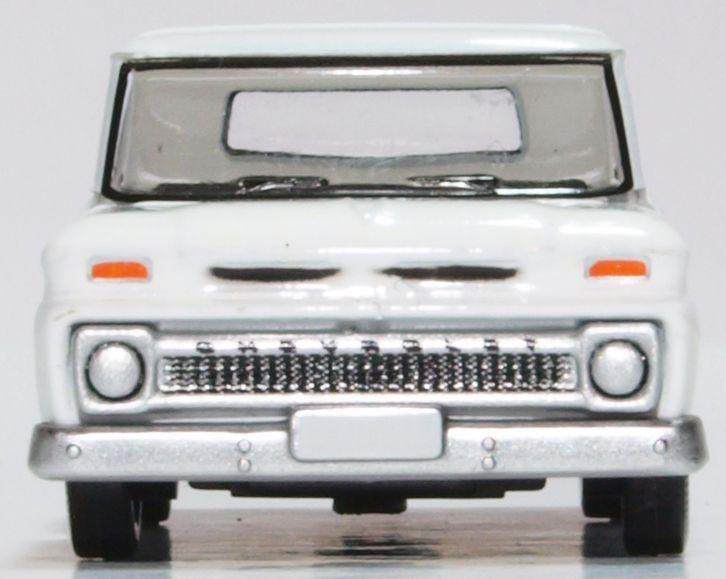 Chevrolet C10 Stepside Pickup 1965, White, 1:87 Scale Model By Oxford Diecast Front View